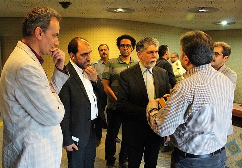 حضور وزیر پس از شلیک در تئاترشهر